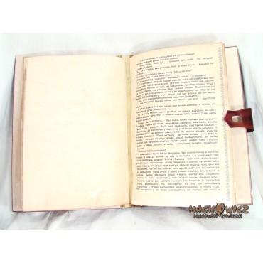 Księga oprawiona w skórę